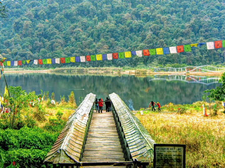 Beautiful Himalayas [Gangtok Pelling Darjeeling 8 Days]